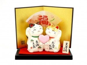 Maneki Neko pair with heart